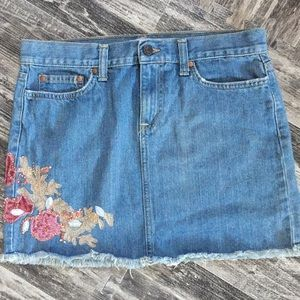 Old Navy Embellished Denim / Jean Skirt